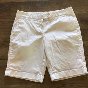 VINEYARD VINES Bermuda Dayboat White Shorts Size 8